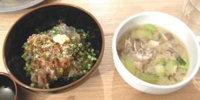 ねばねば海鮮丼とお味噌汁 2009.6.9