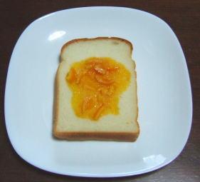 米パンとミカンジャム