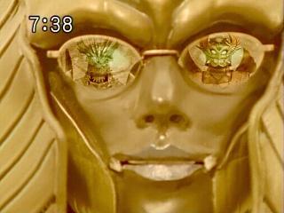 スフィンクス様の間抜けメガネ