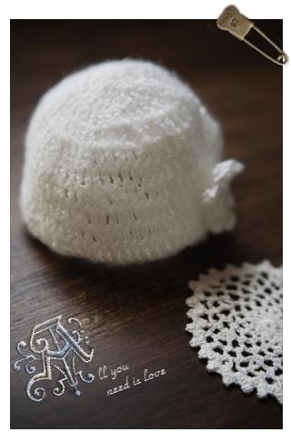 04 ハンドメイド 手編みのベビー帽子 ドイリー