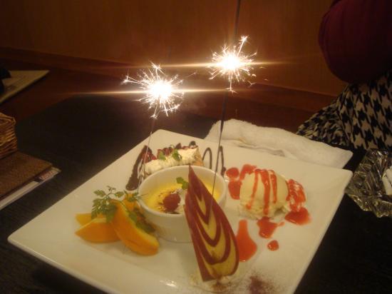 遊心食堂デザート盛り合わせ花火付き
