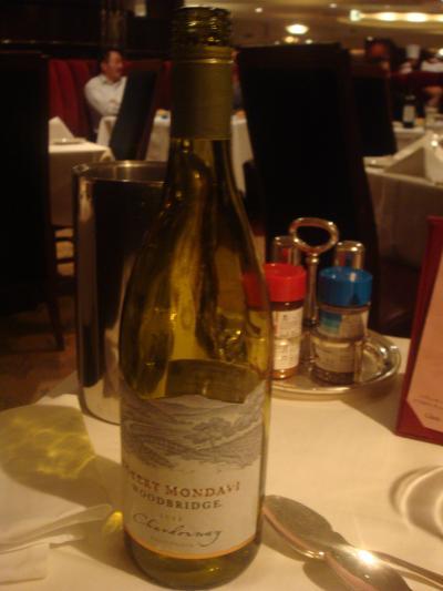 最初は白ワインを