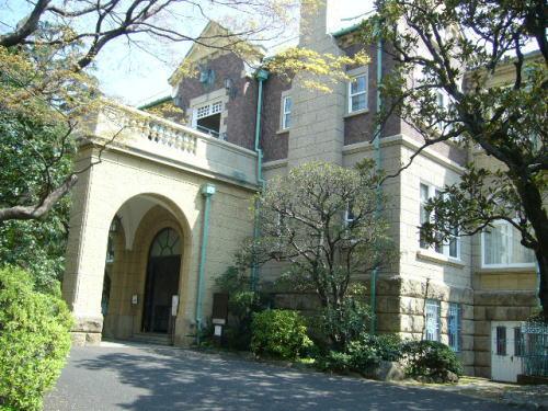 鳩山会館3