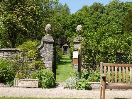 Cerney House Gardens2
