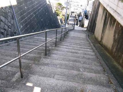 11-2-3 階段上から