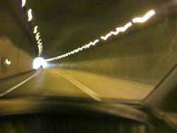 トンネル内は点灯しましょう♪