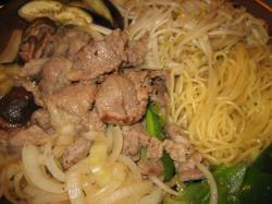 肉が厚い!辛めのタレです(^^)