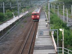 ちょうど列車が入ってきました(*^_^*)