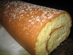 シンプルなロールケーキです♪