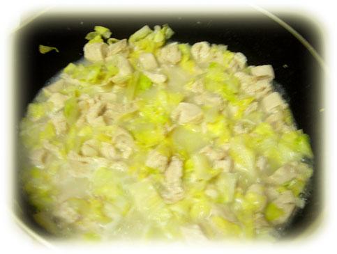 チキンとキャベツのココナッツ煮込み