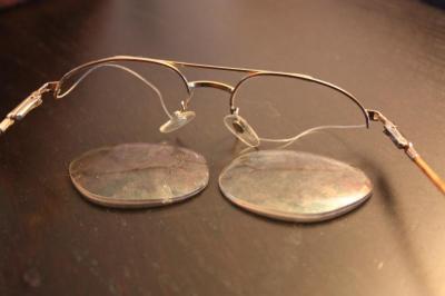 おじいちゃんの眼鏡・・・(汗)