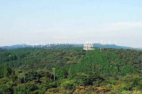遠くに風車