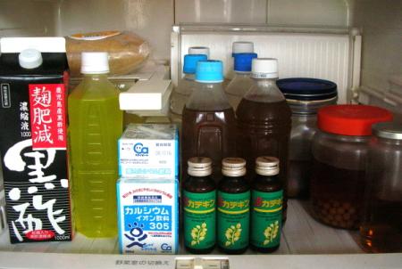 冷蔵庫の中の健康ドリンク