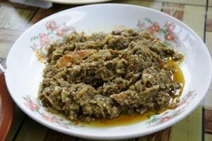 塩漬け魚となすびの炒め物