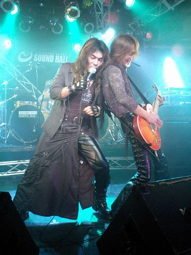 live10-28-2006-01.jpg