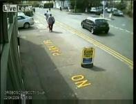 スクーターと車の接触事故だがまた○○か・・・・