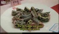 中国の神速クッキング大会(食材は蛇とフナ?)
