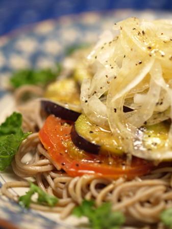 炒め茄子のサラダ蕎麦18