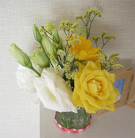 200809069月の部屋花①
