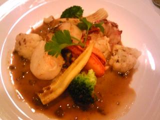 「カナダ産オマール海老 帆立のポワレ 季節の野菜、リゾット添え」