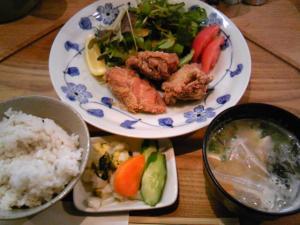 「若鶏のから揚げ定食ライト」キッチンよい一日(春日市)