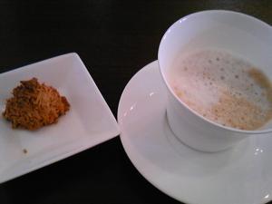 「飲み物と小菓子」そうりの食卓(春日市)