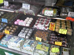「ショーケース」とら屋菓子舗(福岡市)