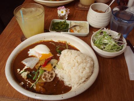 『モモカレー』の野菜カレー