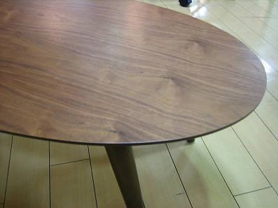 20090530リビングルームエモリビングテーブル