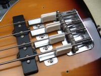 2005_1023F-bass0002.jpg