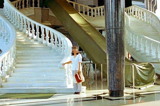 現国王モスク階段-1