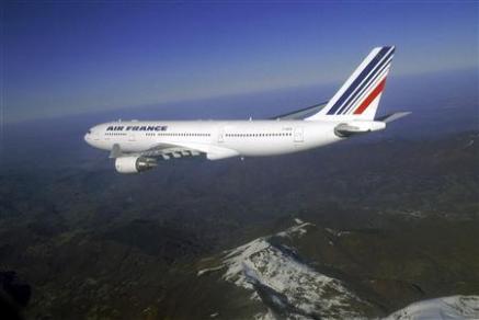 2742846307-un-vol-air-france-rio-paris-disparait-avec-228-personnes.jpg