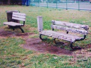 湊公園ベンチ