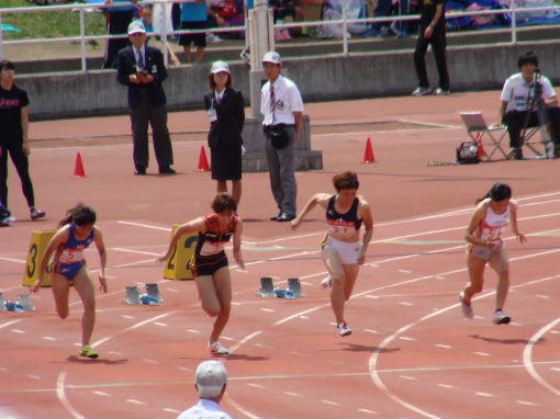 女子100M予選2組スタート