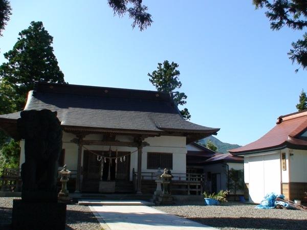 吉里吉里神社境内