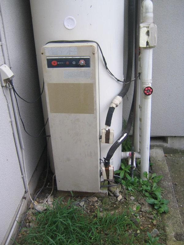 ソーラー貯湯式ボイラー