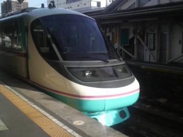 小田急の車両による特急あさぎり(沼津駅にて)