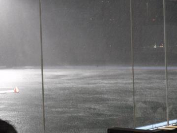 桐生競艇場に降り続く「ゲリラ豪雨」