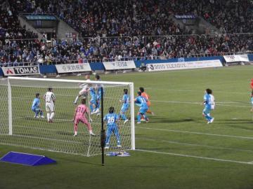 終盤、水戸はGK本間選手まで横浜ゴール前にやって来るが・・・