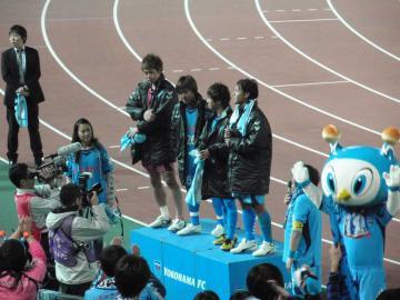 ビクトリーステージには「フレッシュな」若手4選手(左から関、阿部、久富、久木野)