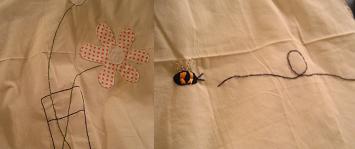 お花とミツバチの刺繍