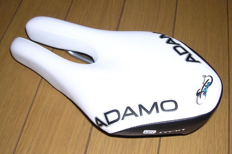 532-ISM-ADAMO-Road-サドル