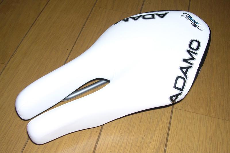 531-ISM-ADAMO-Road-サドル