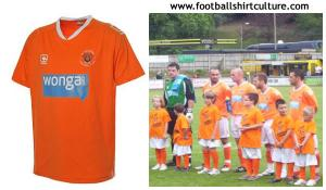 blackpool-10-11-Carbrini-home-kit.jpg