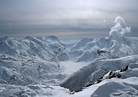 三俣山頂より久住、中岳方向