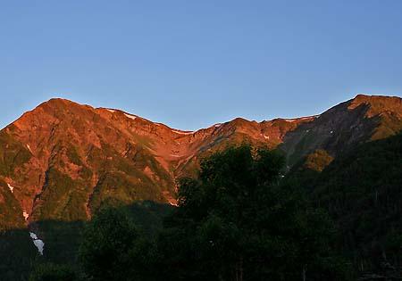赤石小屋から見る赤石岳、小赤石岳