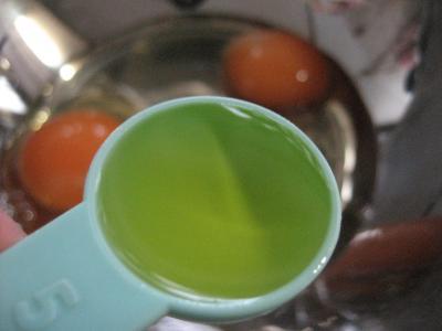 卵2個にオリーブオイル