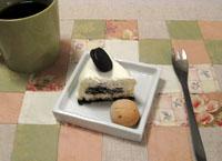 小出しにしている オレオチーズケーキ^^;