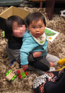 3歳のお姉ちゃん・Mayukoチャンに・抱っこ☆