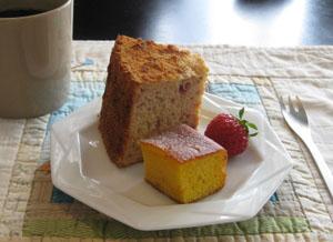 苺のシフォンケーキとにんじんケーキと・コーヒーを♪